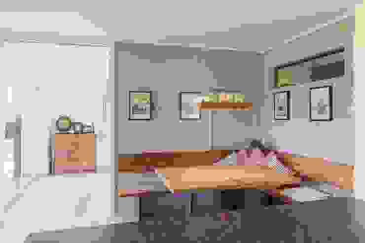 Dining room by Manuel Benedikter Architekt,