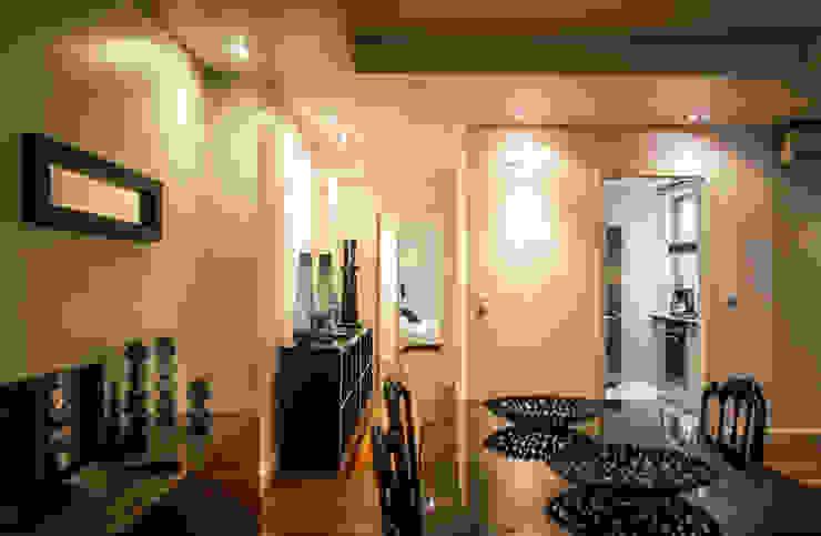 Reabilitação Apartamento Chiado Corredores, halls e escadas modernos por Architecture Tote Ser Moderno