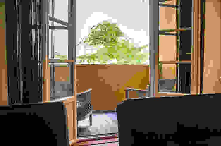 Reabilitação Apartamento Chiado Varandas, marquises e terraços modernos por Architecture Tote Ser Moderno