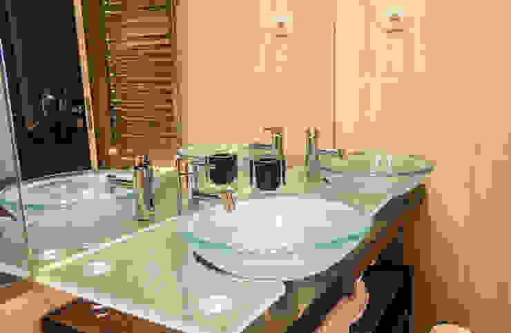 Reabilitação Apartamento Chiado Casas de banho modernas por Architecture Tote Ser Moderno