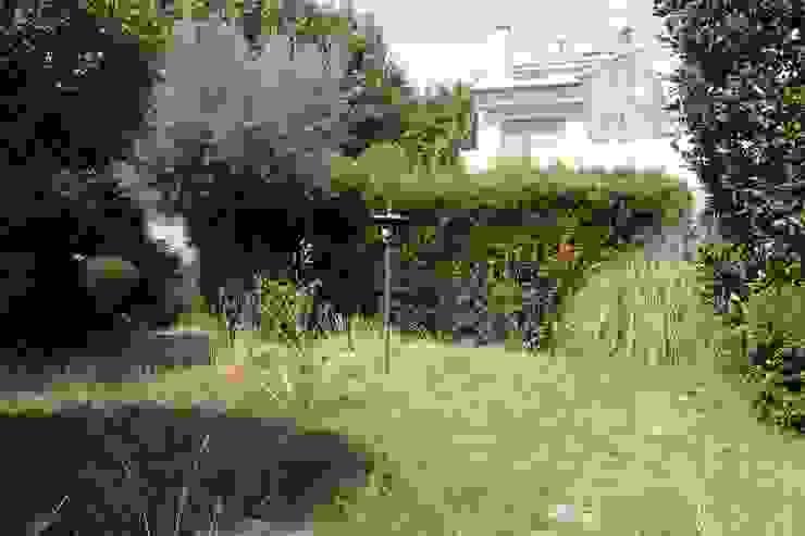 Jardin ANTES de homify Mediterráneo