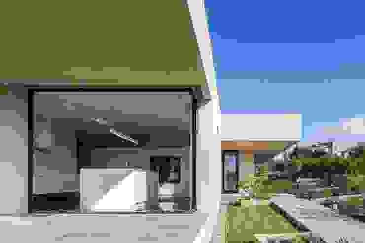Casa em Belas, Sintra Casas minimalistas por Estúdio Urbano Arquitectos Minimalista