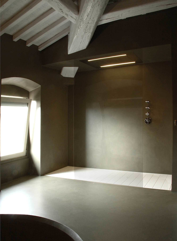 Ristrutturazione casa colonica Bagno minimalista di CuboBianco Minimalista