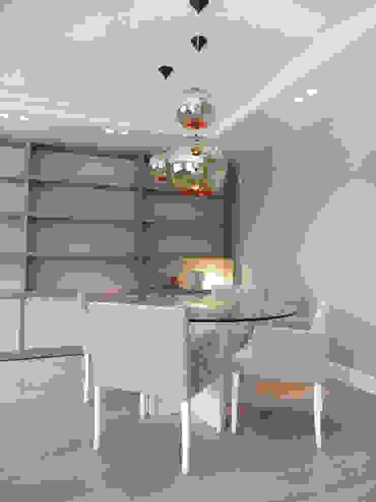 LF24 Arquitectura Interiorismo ห้องนั่งเล่นโต๊ะกลางและโซฟา