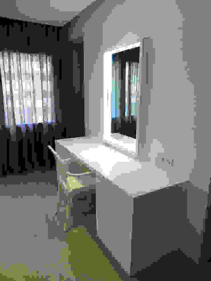 LF24 Arquitectura Interiorismo ห้องแต่งตัวกระจก