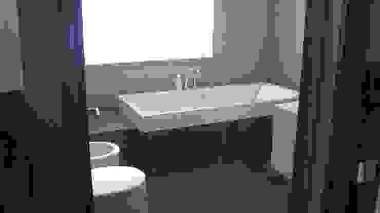 Classic style bathroom by Архитектор Владимир Калашников Classic