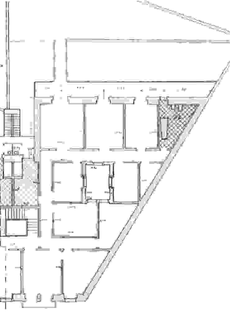 planta existente por Arquitectos Associados Moderno
