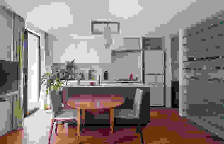 Salas de jantar  por 設計事務所アーキプレイス, Moderno