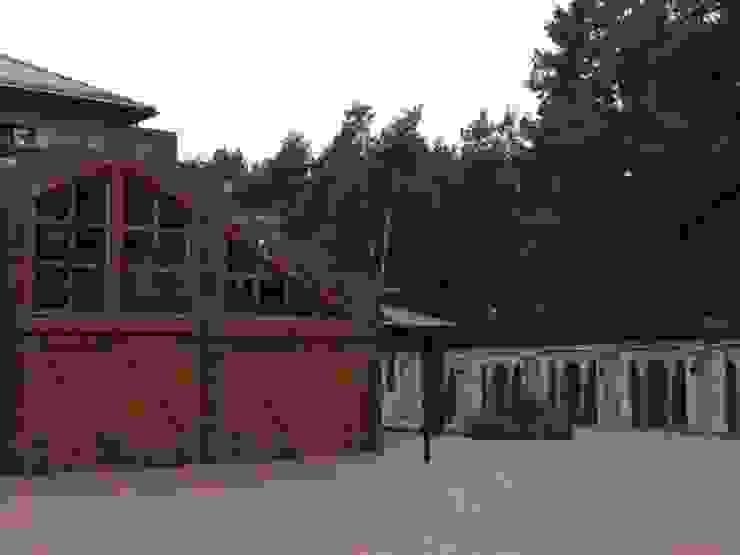 Casas de estilo clásico de Архитектор Владимир Калашников Clásico