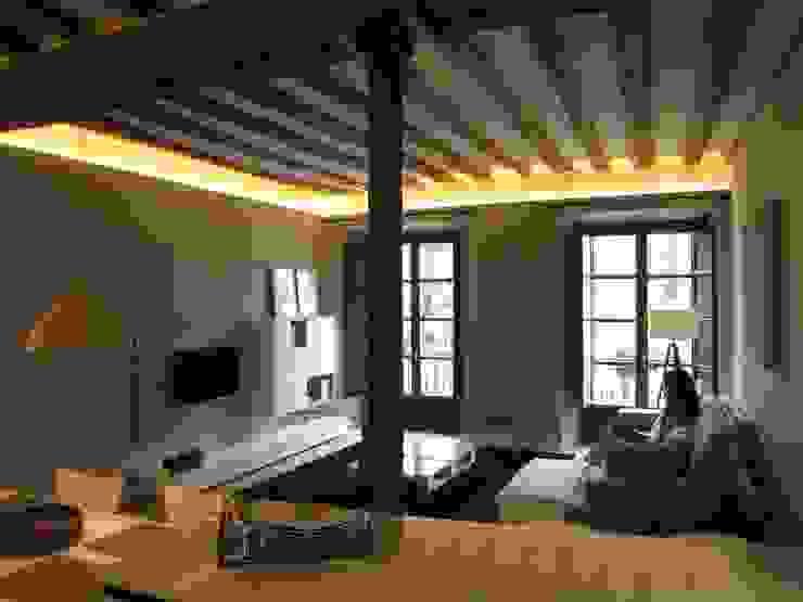 Reforma de vivienda en el Centro de Pamplona Salones de estilo escandinavo de Rooms de Cocinobra Escandinavo