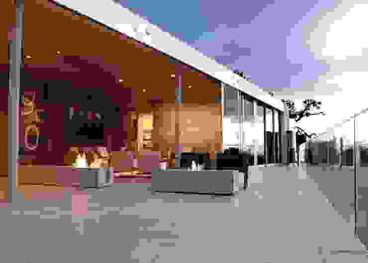 Modern Terrace by ilumia.pl Modern