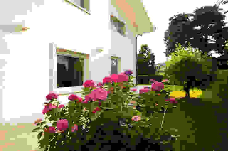 庭院 by FASE ARCHITETTI ASSOCIATI