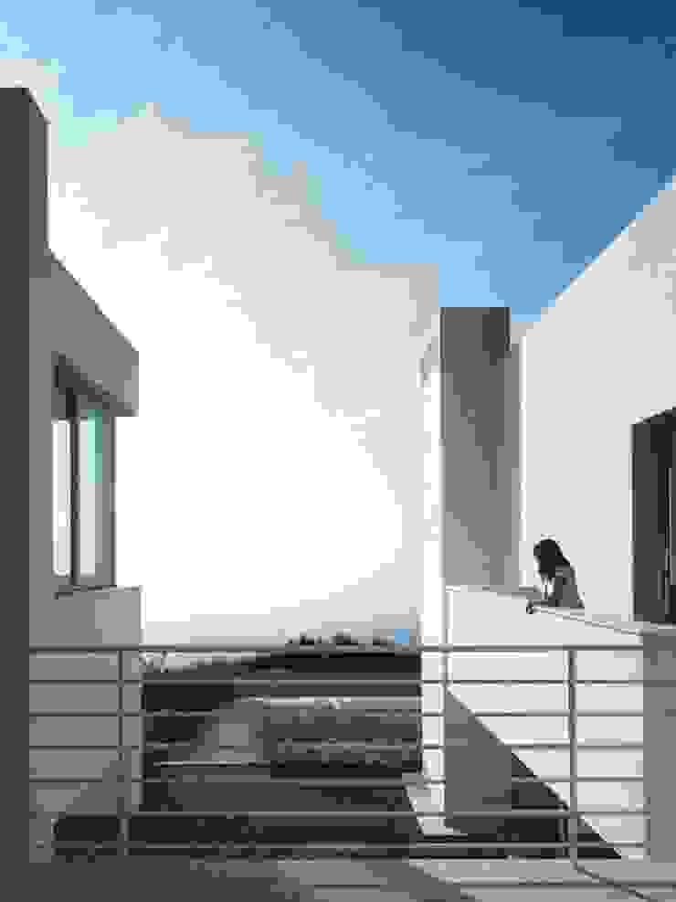 Pasarela Casas de estilo mediterráneo de SOLER-MORATO ARQUITECTES SLP Mediterráneo