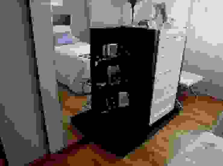 Dormitorio en Valladolid. de Blanc-O Arquitectura de Interiores y Decoración Moderno