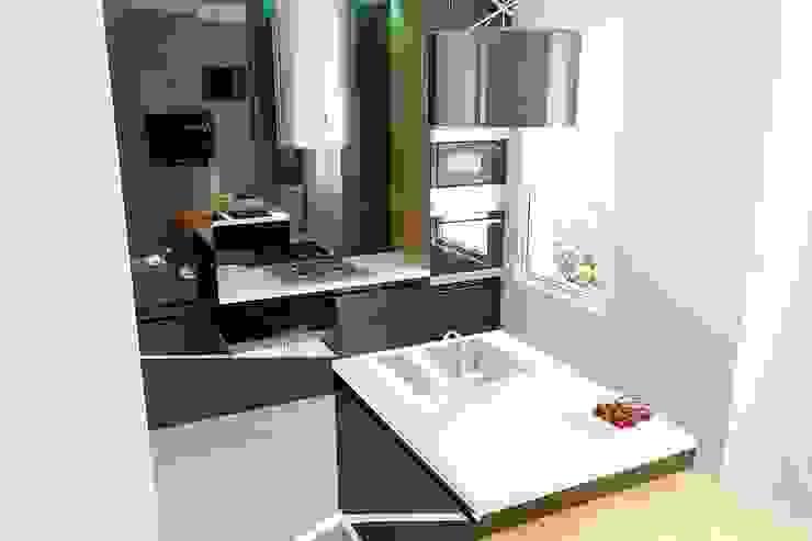 Таунхаус в г. Долгопрудный Кухня в стиле минимализм от Антон Гришин Частный Дизайнер Интерьера Минимализм