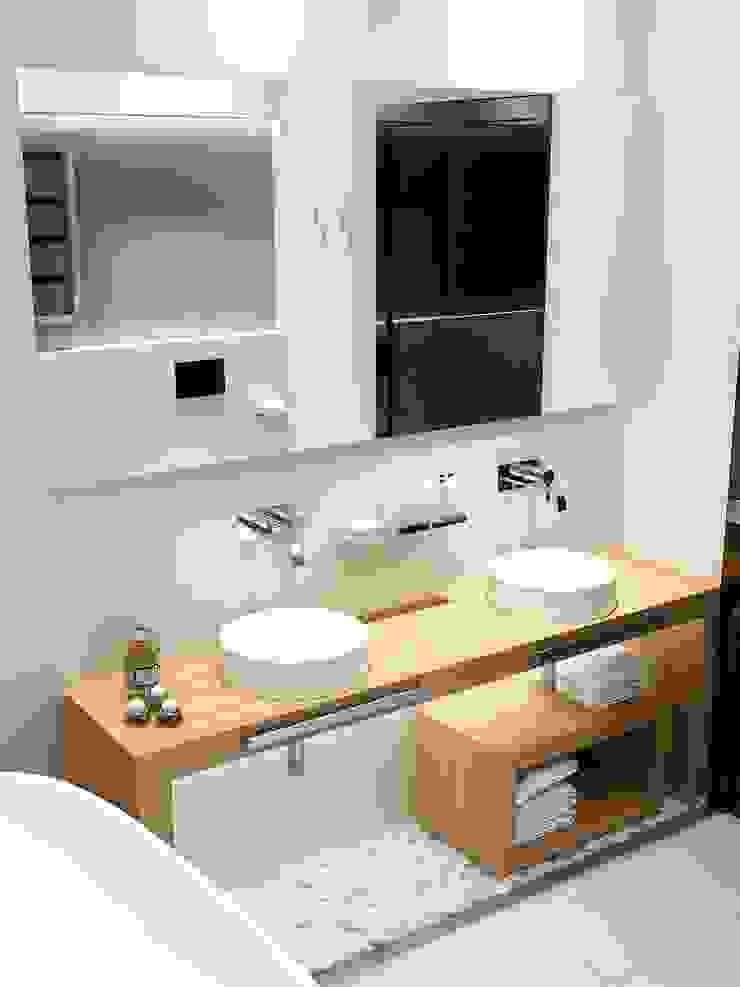 Таунхаус в г. Долгопрудный Ванная комната в стиле минимализм от Антон Гришин Частный Дизайнер Интерьера Минимализм