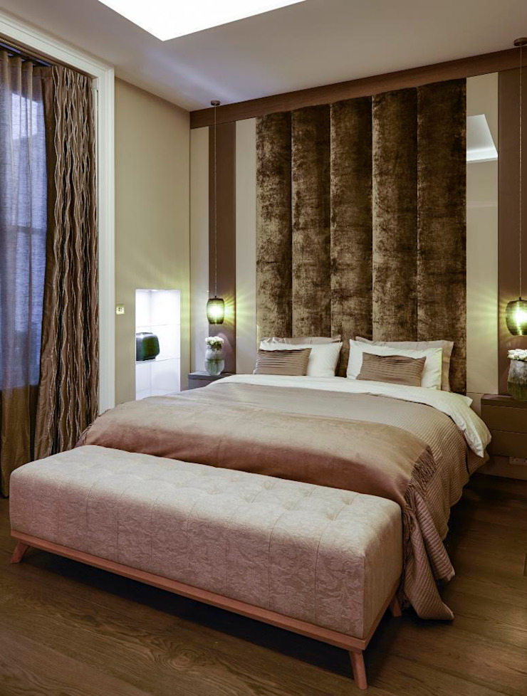 Queens Gate Classic style bedroom by Keir Townsend Ltd. Classic