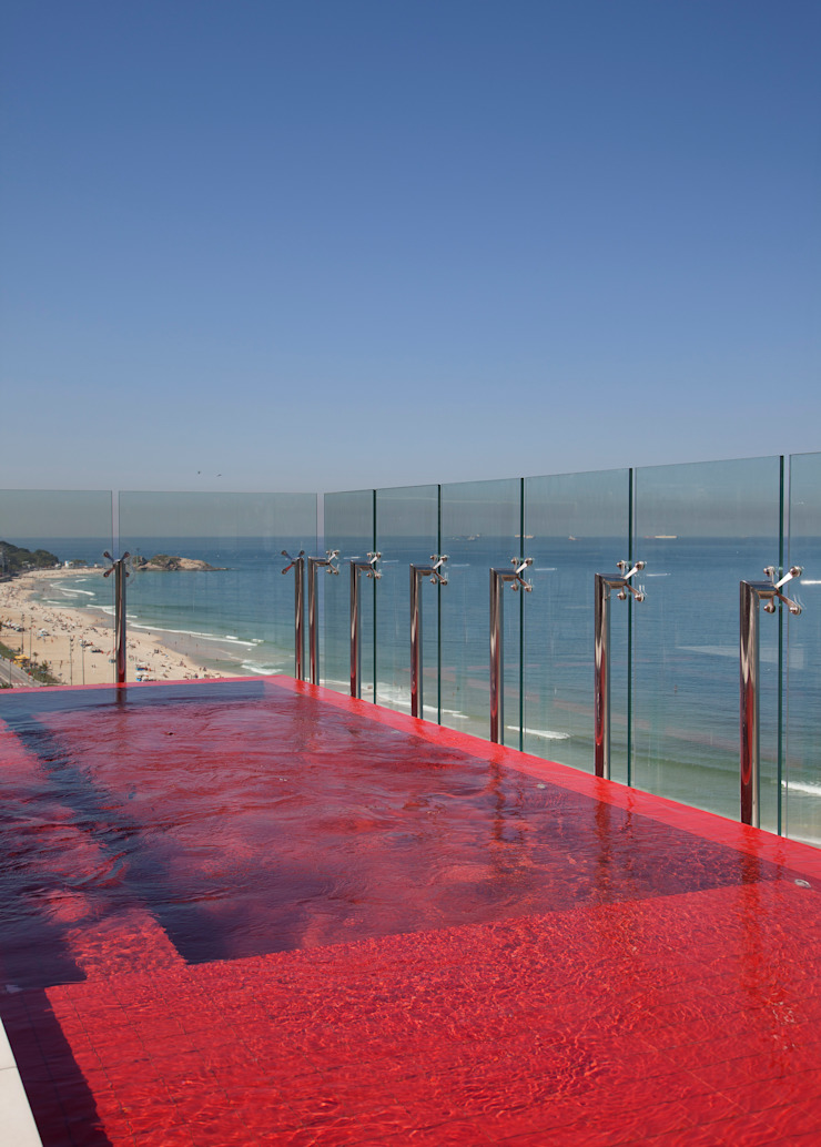 Cobertura Pancetti Piscinas minimalistas por InTown Arquitetura e Construção LTDA Minimalista