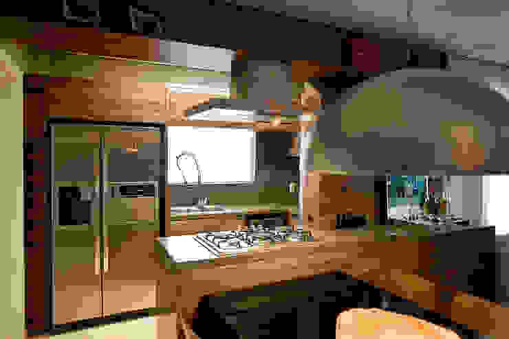 Apto - Agronômica Cozinhas modernas por tcarvalho Moderno