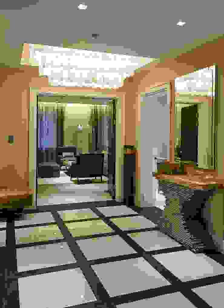 Thornwood Lodge Keir Townsend Ltd. Pasillos, vestíbulos y escaleras clásicas