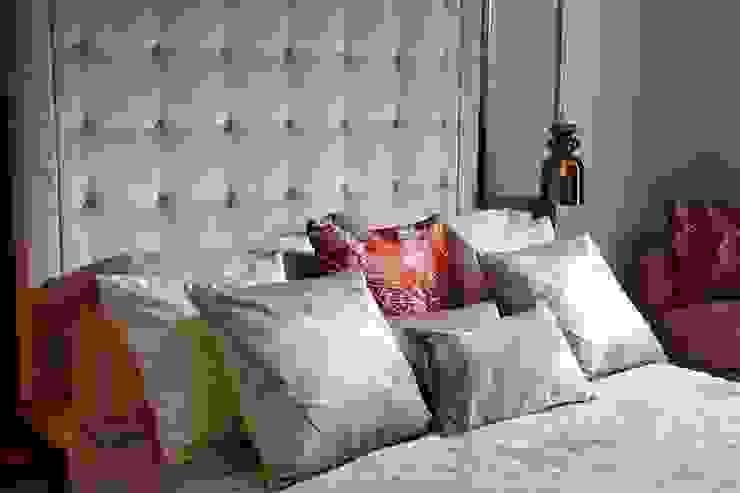 Thornwood Lodge Keir Townsend Ltd. Dormitorios de estilo clásico