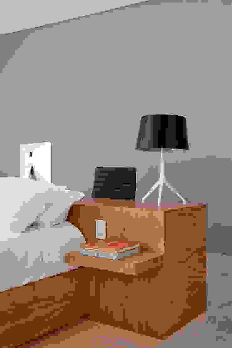 Cobertura Pancetti Quartos minimalistas por InTown Arquitetura e Construção LTDA Minimalista