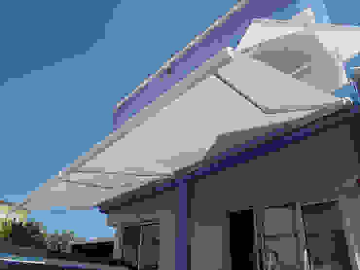 Terrazas, toldos y pérgolas de SISTEMAS GAHM SL Moderno