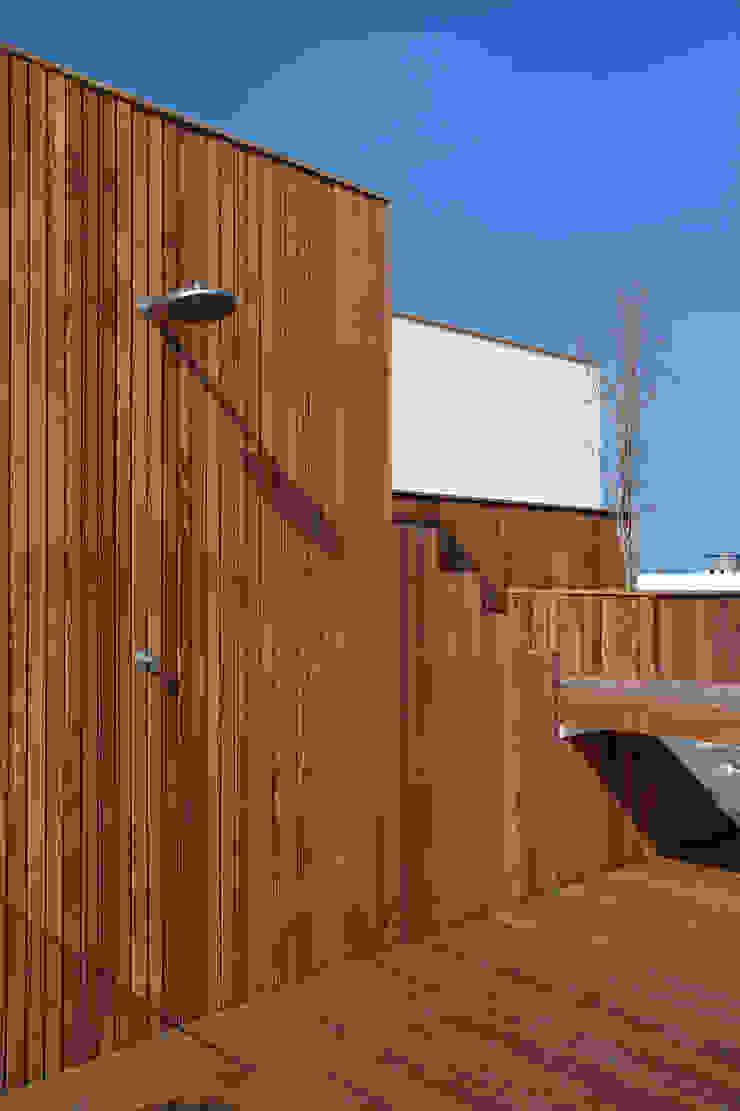 Piscinas de estilo minimalista de InTown Arquitetura e Construção LTDA Minimalista