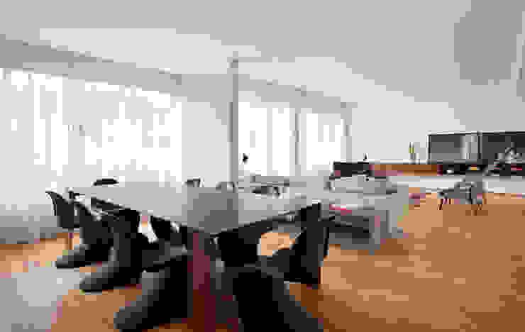 Comedores de estilo minimalista de InTown Arquitetura e Construção LTDA Minimalista