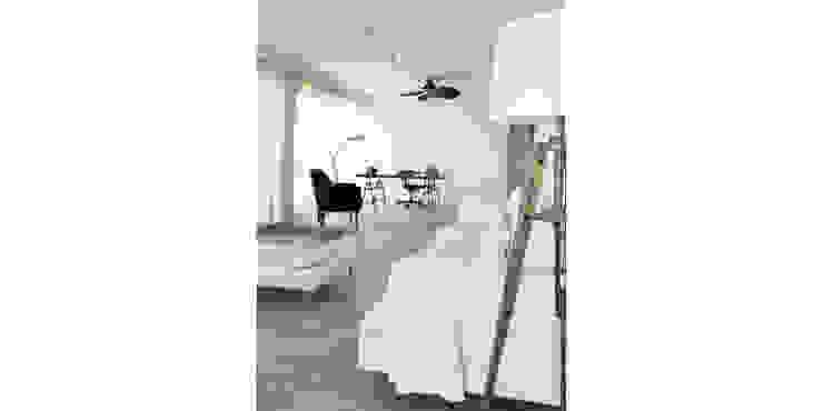 038   Apartamento, Ericeira, Mafra Salas de estar ecléticas por T2 Arquitectura & Interiores Eclético