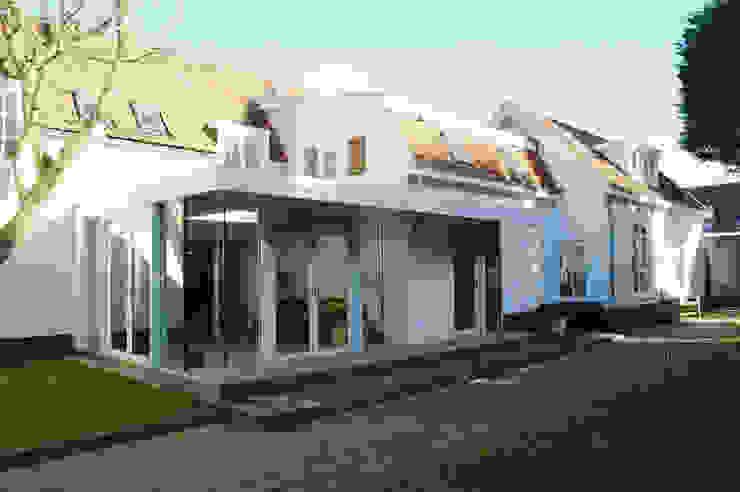 zuidgevel: modern  door Studio Blanca, Modern