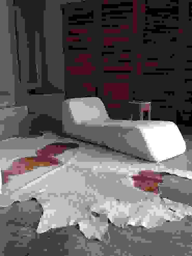 Casa Chachalaka Dormitorios minimalistas de DECO Designers Minimalista