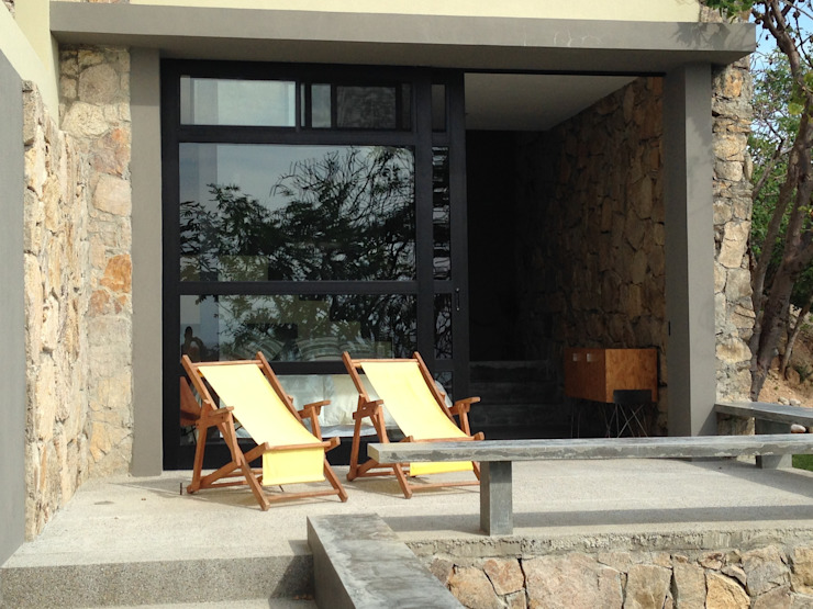 Casa Chachalaka Balcones y terrazas minimalistas de DECO Designers Minimalista