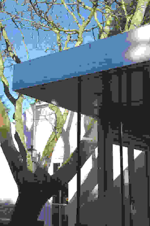 serre: modern  door Studio Blanca, Modern