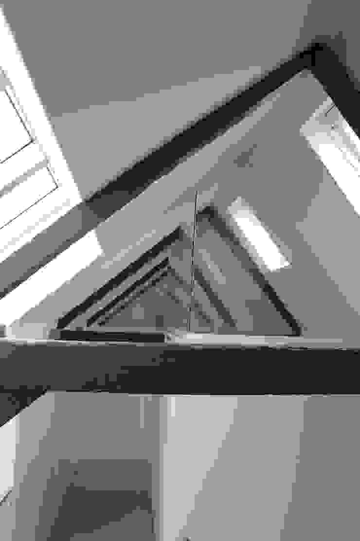 Verdieping: modern  door Studio Blanca, Modern