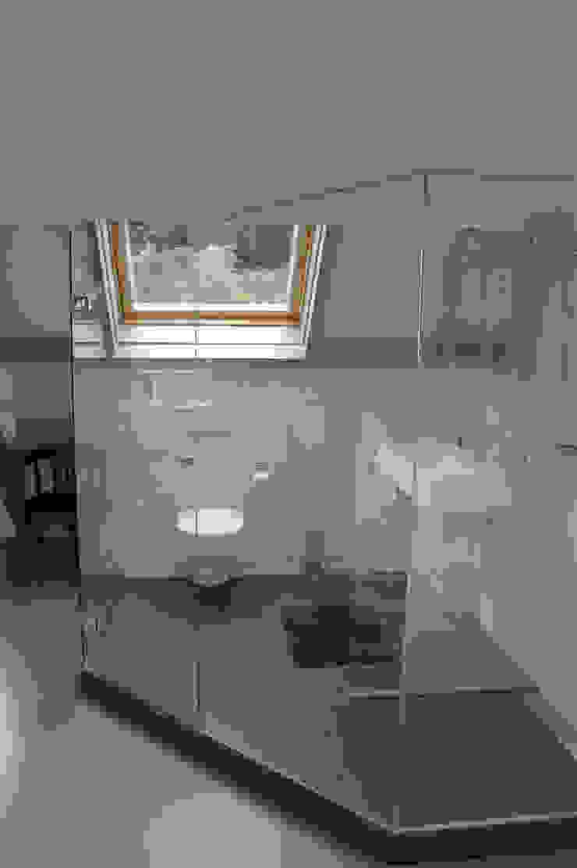 badkamer: modern  door Studio Blanca, Modern