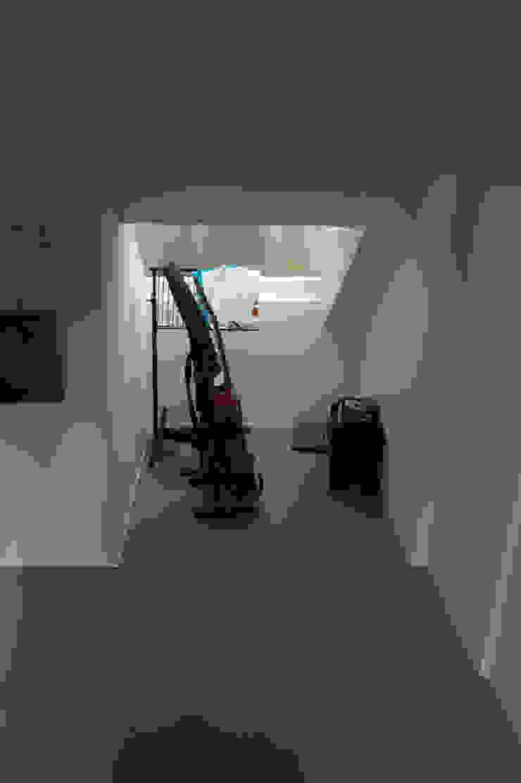 slaapkamer: modern  door Studio Blanca, Modern