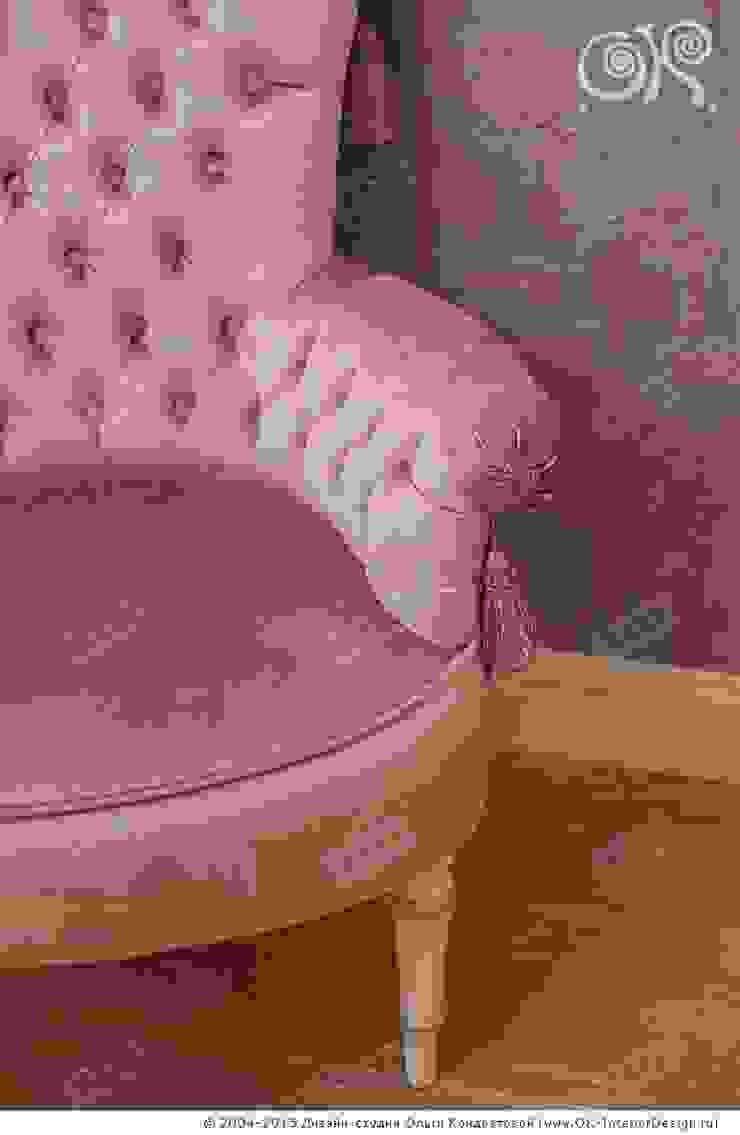 Стул в спальне на Мытной Дизайн студия Ольги Кондратовой Спальня в классическом стиле