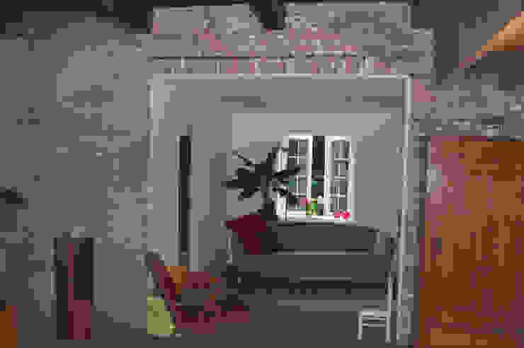 zijkamer bestaand: modern  door Studio Blanca, Modern