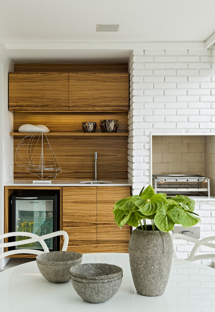 Panamby Apartment Varandas, alpendres e terraços modernos por DIEGO REVOLLO ARQUITETURA S/S LTDA. Moderno
