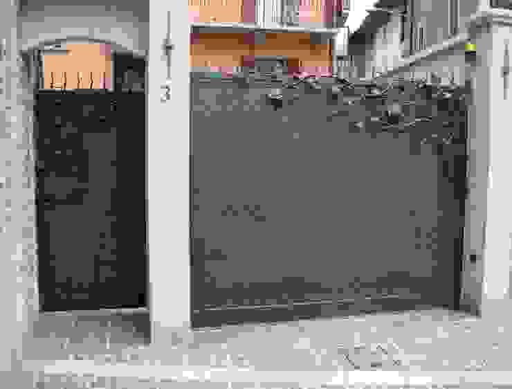 クラシカルな 家 の CMG Costruzioni Metalliche Grassi クラシック