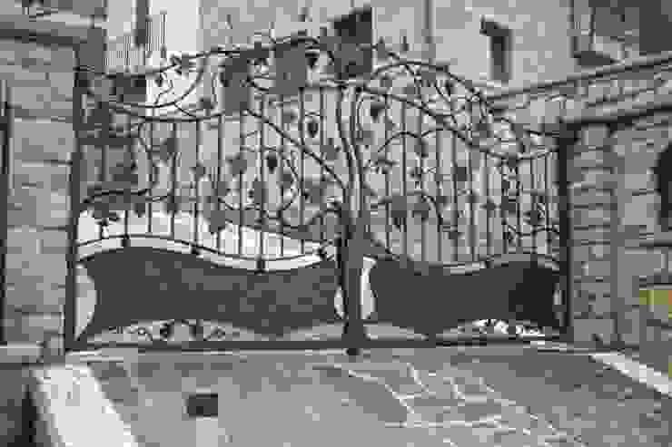 Klassische Häuser von CMG Costruzioni Metalliche Grassi Klassisch