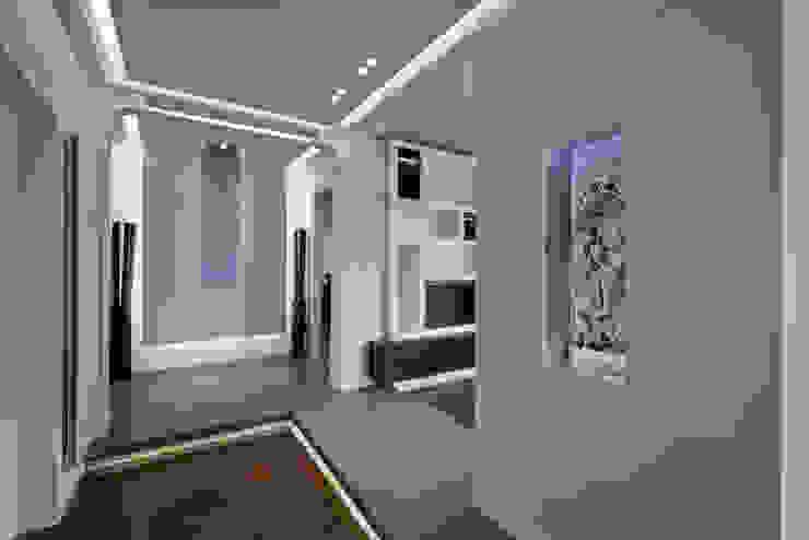 Ingresso appartamento. Onice Ingresso, Corridoio & Scale in stile minimalista