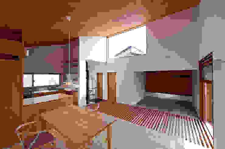 (有)菰田建築設計事務所 Salas modernas