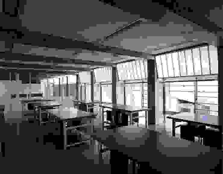 教室 モダンデザインの 書斎 の 株式会社ヨシダデザインワークショップ モダン