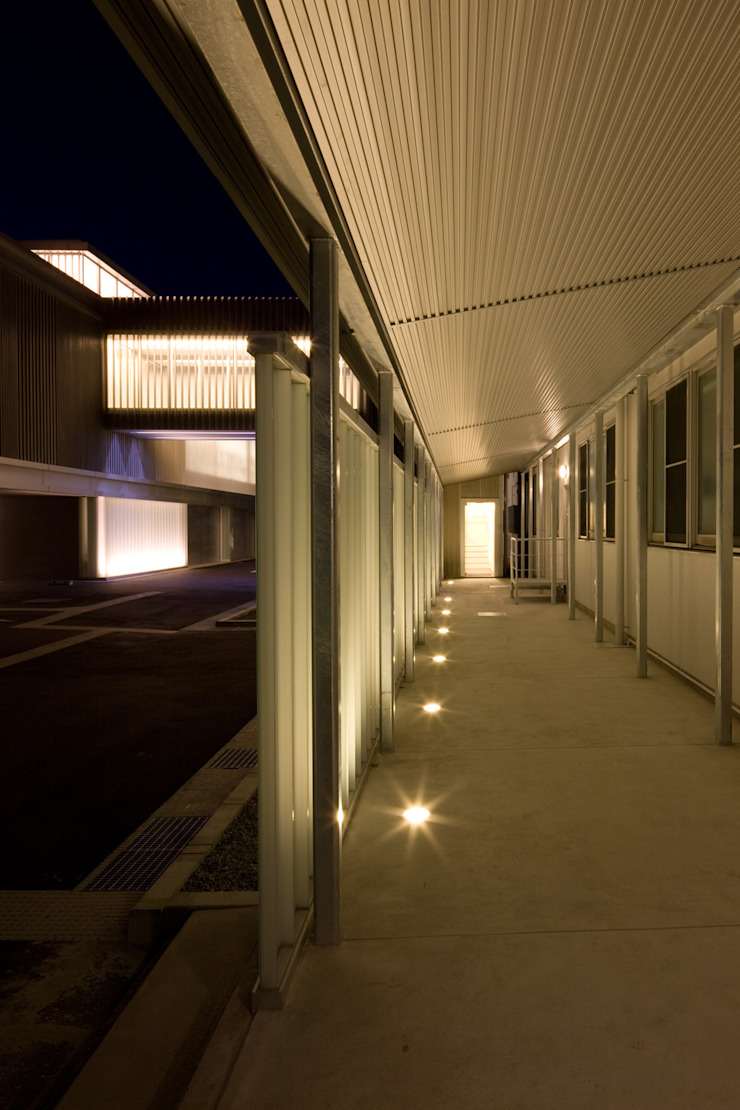 大谷製鉄食堂棟 オリジナルスタイルの 玄関&廊下&階段 の 濱田修建築研究所 オリジナル
