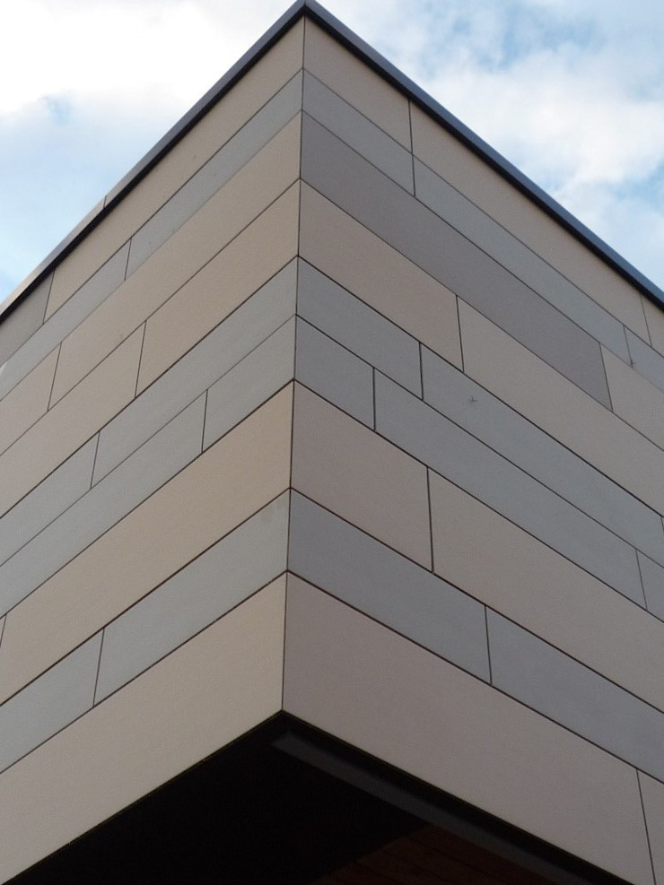Spiegel Fassadenbau Schools