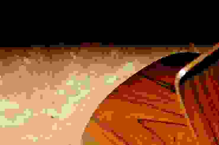 Architekturbüro 011 Paredes y pisos de estilo minimalista