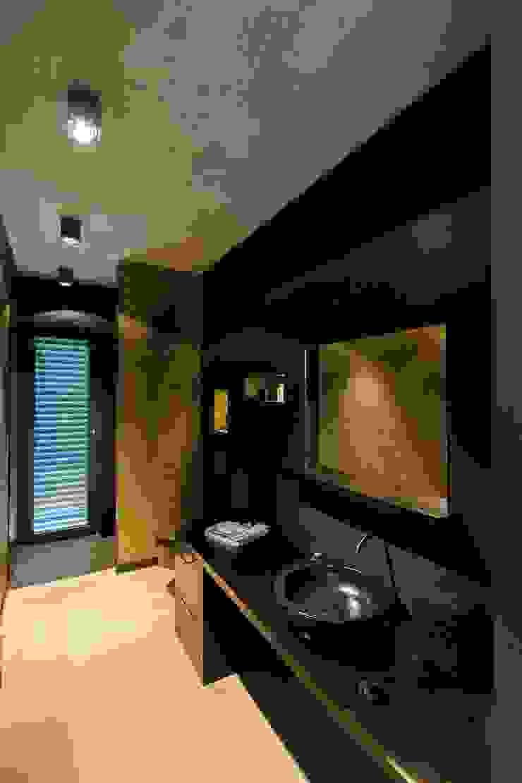 Modern Bathroom by aprikari gmbh & co. kg Modern