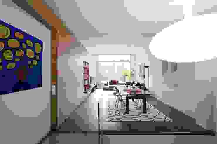 Salón- comedor Salones de estilo moderno de SOLER-MORATO ARQUITECTES SLP Moderno